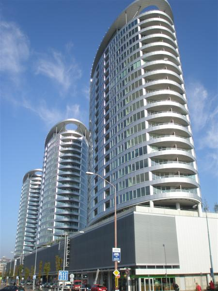 III Towers, Residential development 633 apartments and 3600 m2 of retail