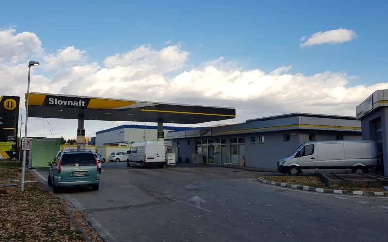 SLOVNAFT PETROL STATION RECONSTRUCTION ZLATÉ MORAVCE – FRESH CORNER